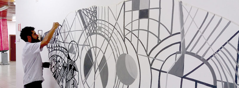 DAS RUAS À GALERIA: Artista plástico expõe Abstrato de Percurso