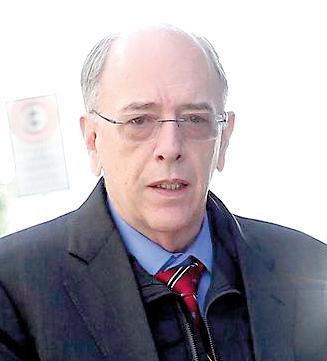 Vossa Excelência tem sido impecável na visão de gestão profissional da Petrobras. Vossa Excelência se apoie nas regras corporativas, que tanto foram aperfeiçoadas nesses dois anos