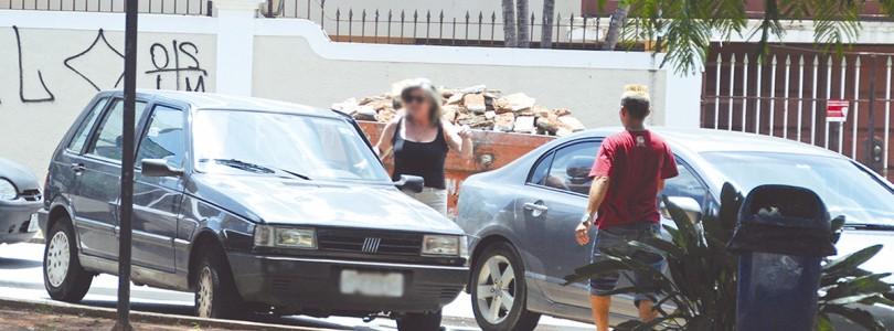FLANELINHAS: Guardadores retornam às praças