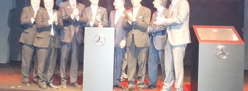 MERCEDES-BENZ: Fábrica inicia produção do Classe C