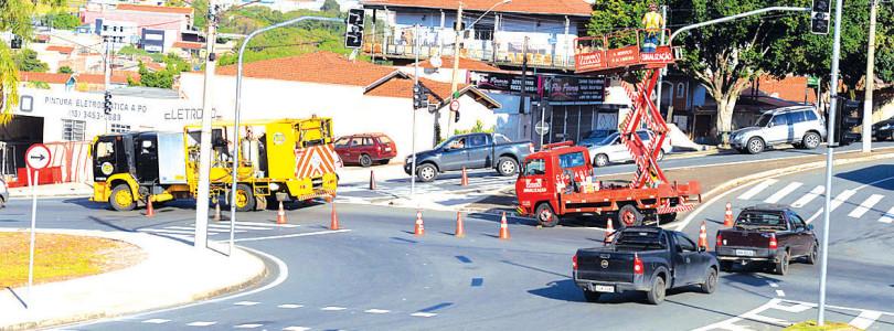ANEL VIÁRIO: Semáforos em rotatória iniciam operação