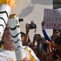 EM LIMEIRA: Tocha olímpica reúne multidão