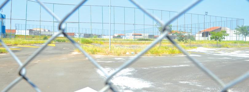 JARDIM IPANEMA: Abandonada, área de lazer aguarda obras de reparo