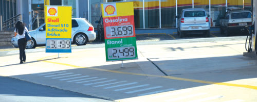COMBUSTÍVEIS: Justiça volta a suspender aumento de impostos