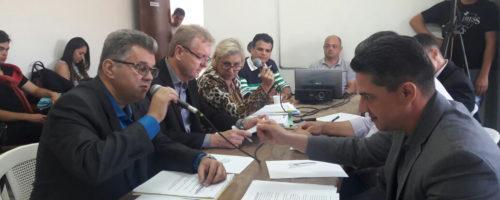 CPI DA SAÚDE: Luizinho do PT nega déficit