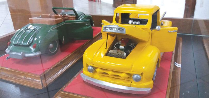 MINI SALÃO DO AUTOMÓVEL: Museu expõe miniaturas