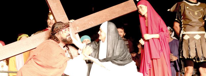 SEGUNDO ENSAIO: Via-Sacra reúne atores no domingo