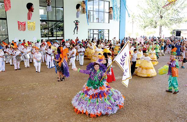 É Carnaval Limeira traz Royce do Cavaco