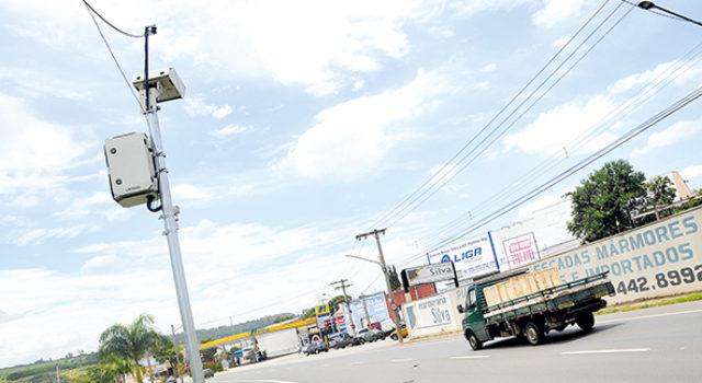 EM 2017: radares rendem R$ 10,5 mi em multas