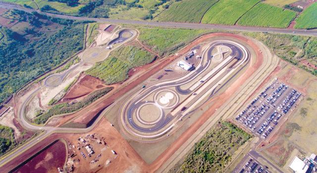 IRACEMÁPOLIS: Mercedes inaugura campo de provas