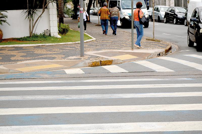 CALÇADAS: Acessibilidade em Limeira é difícil
