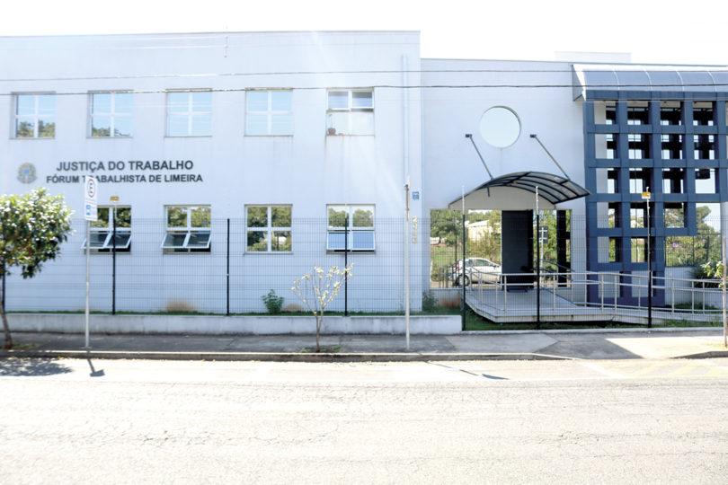 FÓRUM TRABALHISTA: Transferência de juízes mobiliza cidade