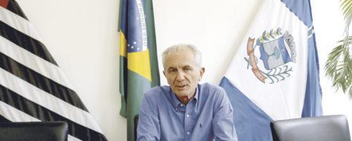 CORONAVÍRUS: Município fecha comércio e proíbe eventos