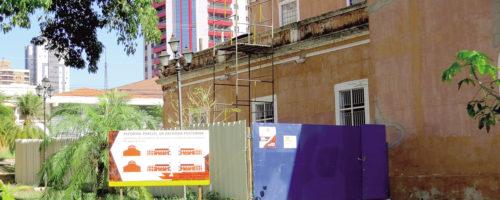 BOA MORTE: Fachada posterior de igreja em obras