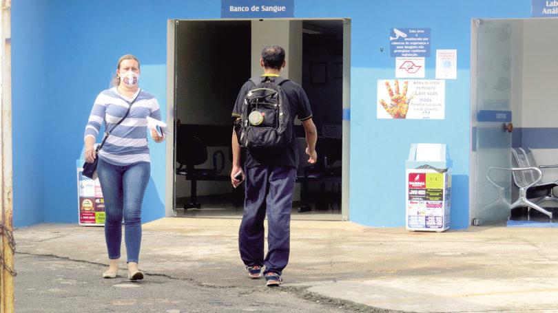 BANCO DE SANGUE: Doadores reclamam de falta de senha